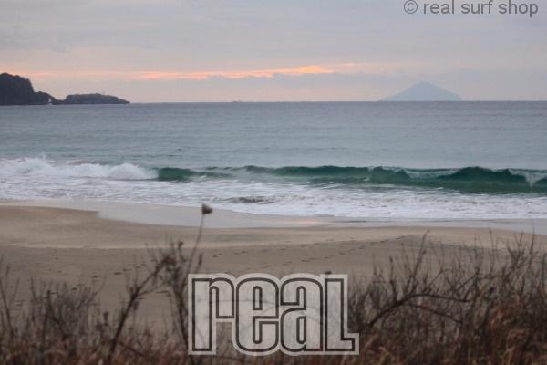 波は少しサイズアップしていますが … 。