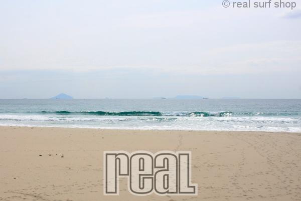 波はサイズダウン。