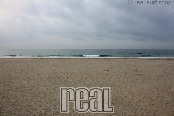 波のない週末。