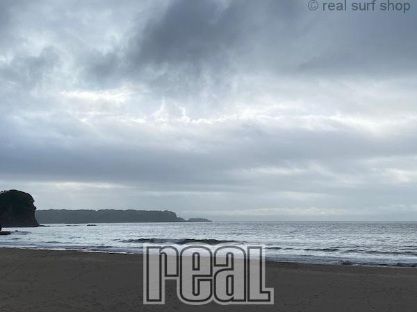 波なし梅雨空