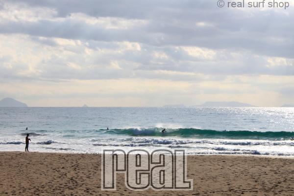 潮が上げて波数は増えてます。