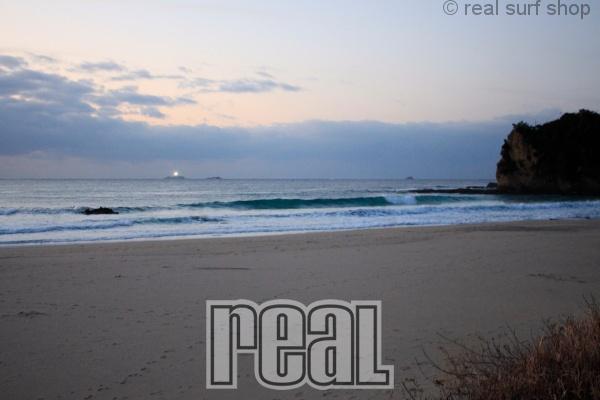 波は大きくサイズダウン。