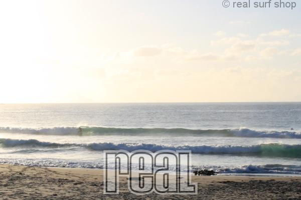 潮の上げ込みで波数は増えてます。