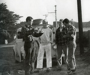 Bob Simmons(左端)